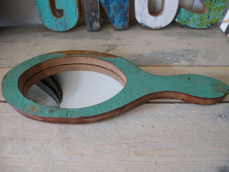 handspiegel voor aan de muur , scrapwood