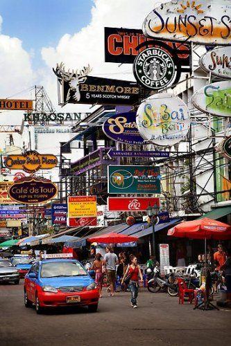 バンコク髄一の多国籍スポット、カオサン通り。