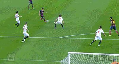 Lionel Messi goal v Sevilla [GIF]