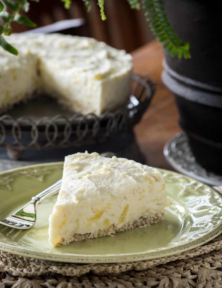 Coconut Pineapple Cheesecake (raw, vegan, no nuts)