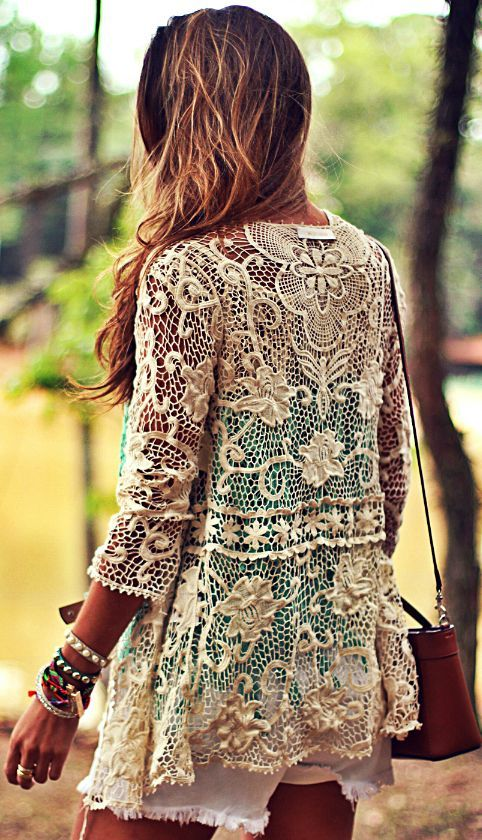 Moikana Cream Lace Jacket by Decor e Salto Alto -- would be really lovely over a strappy sundress for Easter and after.