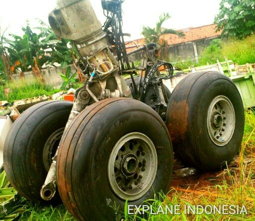 Landing Gear Boeing 747 by Explane Indonesia