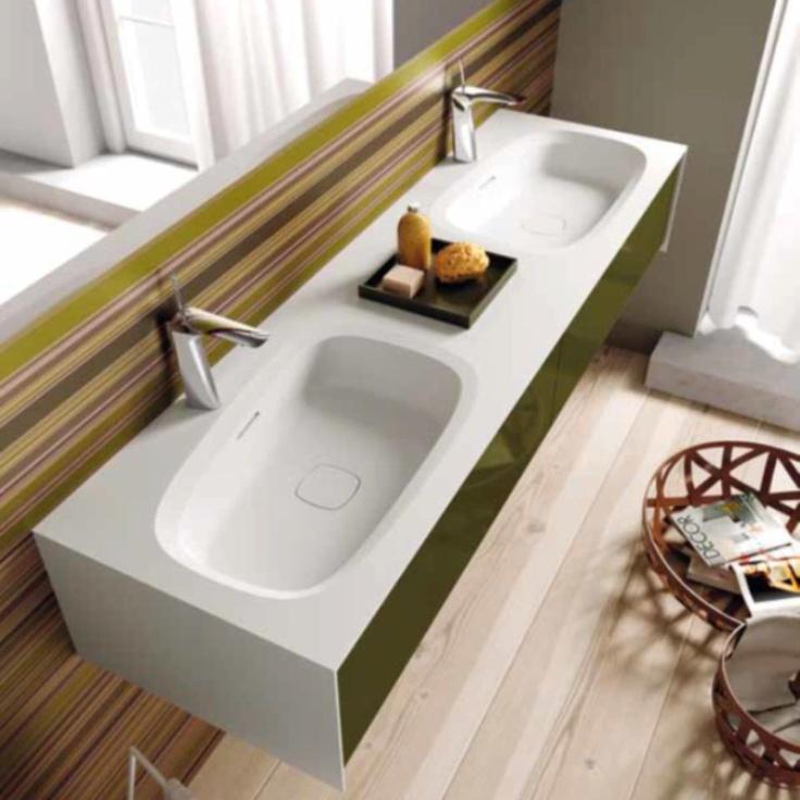 Πράσινη γυαλιστερή λάκα για το μπάνιο σας www.kypriotis.gr - #kypriotis #kipriotis #plakakia #plakidia #anakainisi #athens #ellada #greece #hellas #banio #dapedo