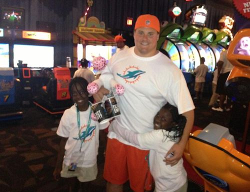 """Dolphin's Richie Incognito Calls Martin A """"Half N*gga""""- http://getmybuzzup.com/wp-content/uploads/2013/11/213474-thumb.png- http://getmybuzzup.com/dolphins-richie-incognito-calls-martin-a-half-ngga/-  Dolphin's Richie Incognito Calls Martin A """"Half N*gga"""" By MrsGrapevine 2 Dolphin's guard Richie Incognito has been suspended indefinitely amongst allegations of locker room harassment and bullying, and let's not mention the racist texts and voice mails se"""