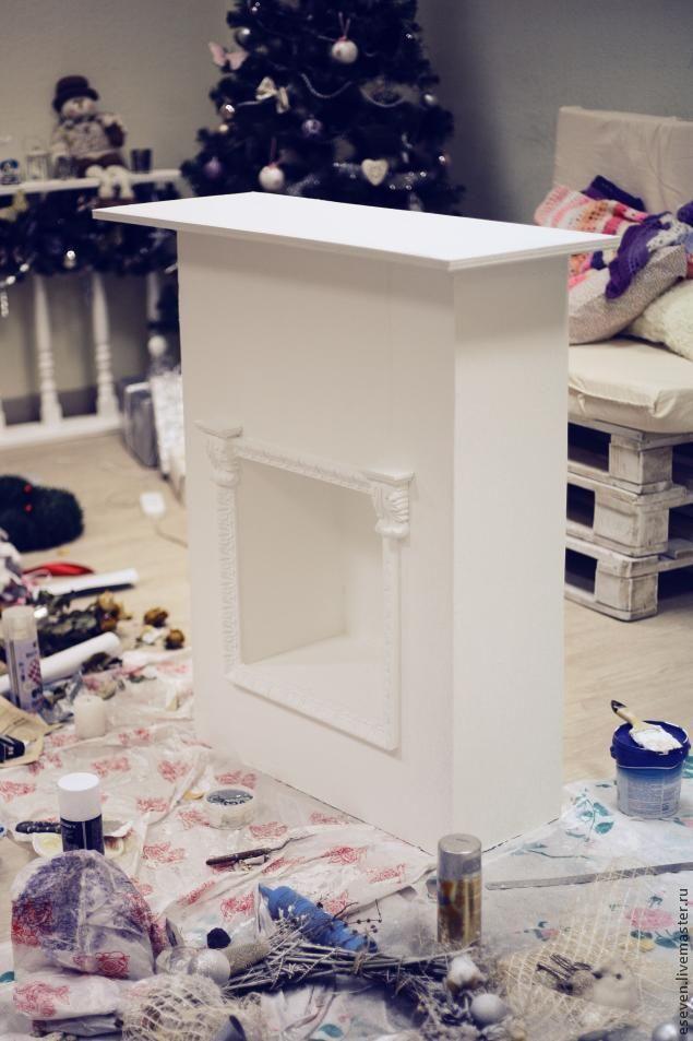 Хочу поделиться небольшим опытом создания импровизированного домашнего очага. Шаг первый:Делаем каркас камина. Поскольку мой вариант предназначался для фотосессий, его задача была быть мобильным, легким,потому он сделан из деревянных брусков и фанеры. Шаг второй Подготавливаем к покраске, зачищаем шкуркой шероховатости. Далее покрываем акриловой краской (была выбрана обычная белая интерьерная…