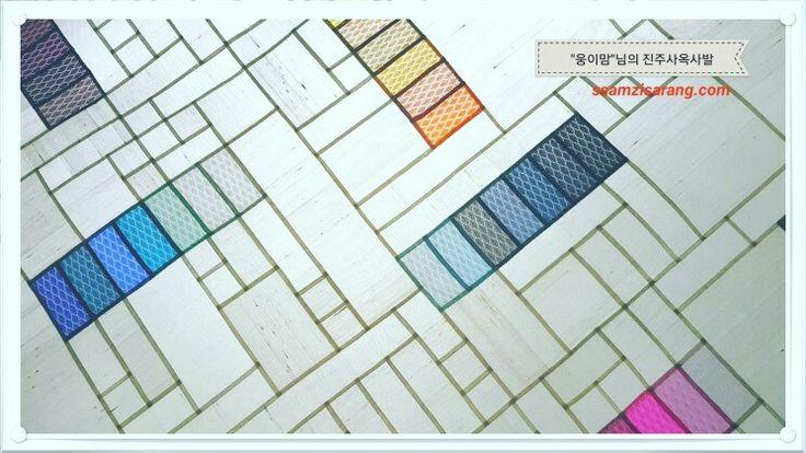 조각보 , 진주사 실크(사대부들과 궁중에서 활용하던 전통 비단 Jinjusa silk) 포인트의 옥사(전통 실크, Oksa silk)발…