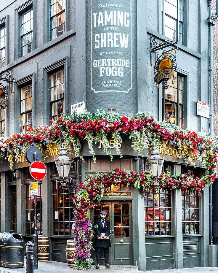 Beautiful Floral Facade on a Bar in Covent Garden in 2020