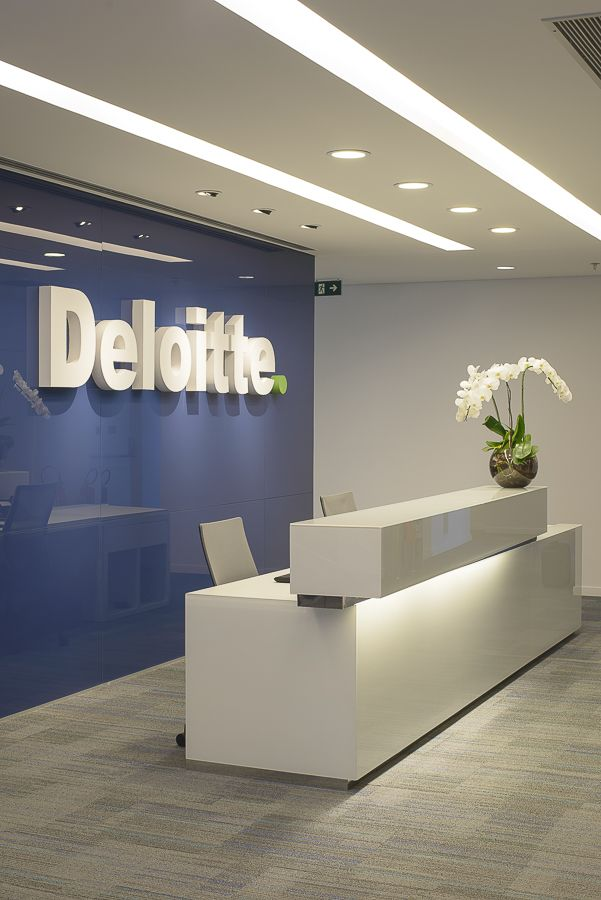 Deloitte office reception looks great #office #design #moderndesign http://www.ironageoffice.com/
