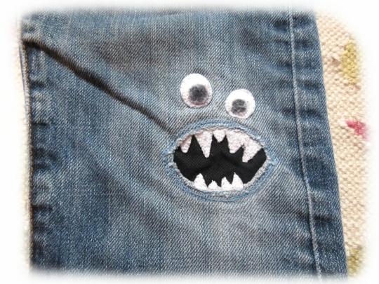 Was für eine tolle Idee um Löcher zu stopfen! Genau das richtige für kleine Monsterfans! Mehr Infos gibt's im Link!