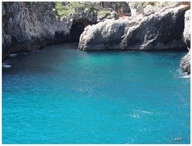 crique à Otranto dans les Pouilles