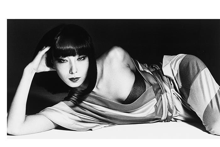東京都現代美術館で、日本が誇るスーパーモデルの元祖、山口小夜子さんの展覧会「未来を着る人」が開催中。http://buff.ly/1D1P8op