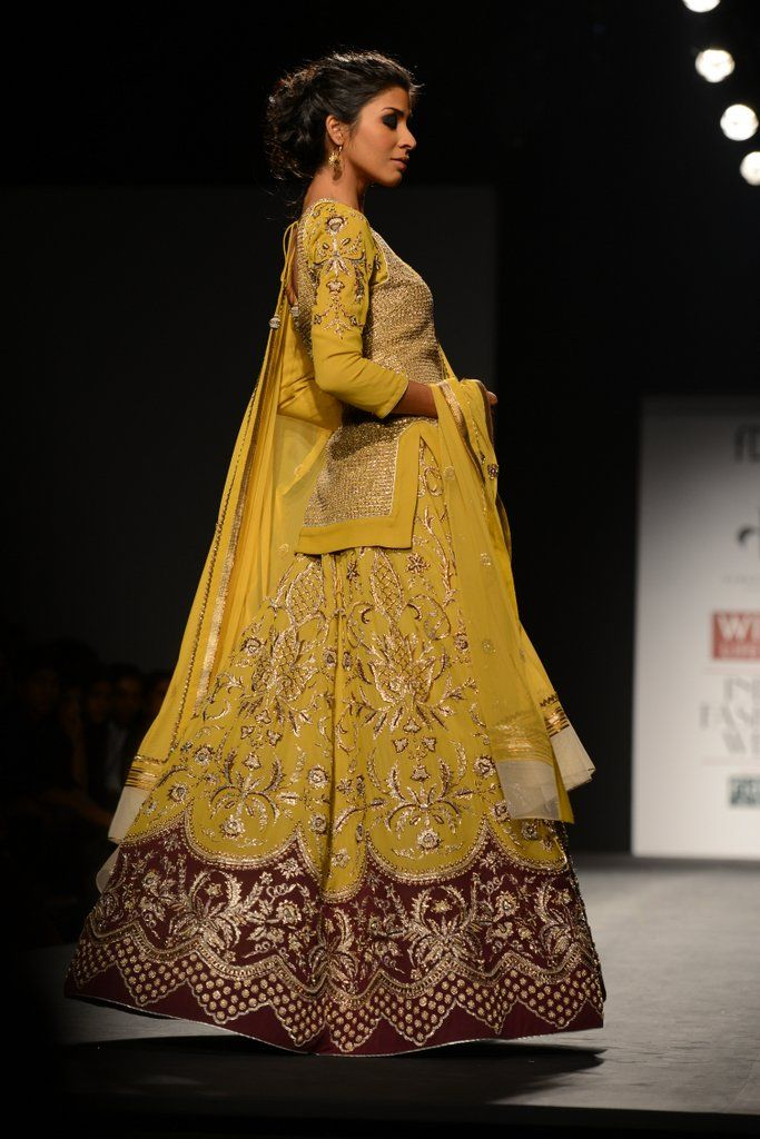 VINEET BAHL AT WILLS INDIA LIFESTYLE An earthy aesthetically somber collection by Vineet Bahl,