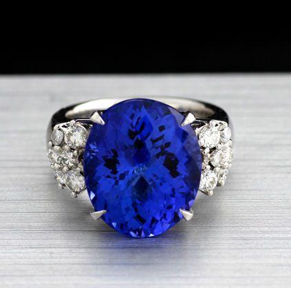 Catawiki Online-Auktionshaus: Unikat:  Tansanit-Brillant-Ring, zus. 12,19 ct, in 900-Platin