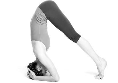 10 Yoga poses for health complaints(migraine, cramps, sugar cravings etc) -just tried the migraine pose....LOVE