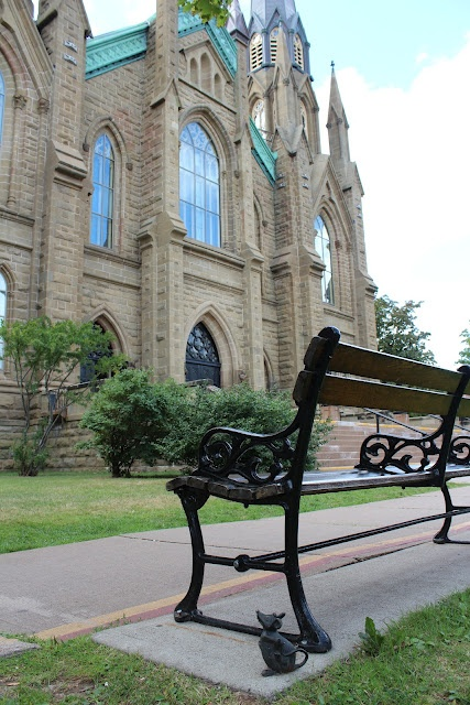 A mouse hunt in Charlottetown, PEI ~ great free family activity!
