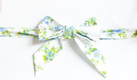 White Forget Me Not Floral - Handmade Sailor Tie