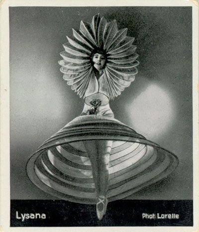 Oskar Schlemmer 'Triadic Ballet' 1927 http://en.wikipedia.org/wiki/Triadisches_Ballett