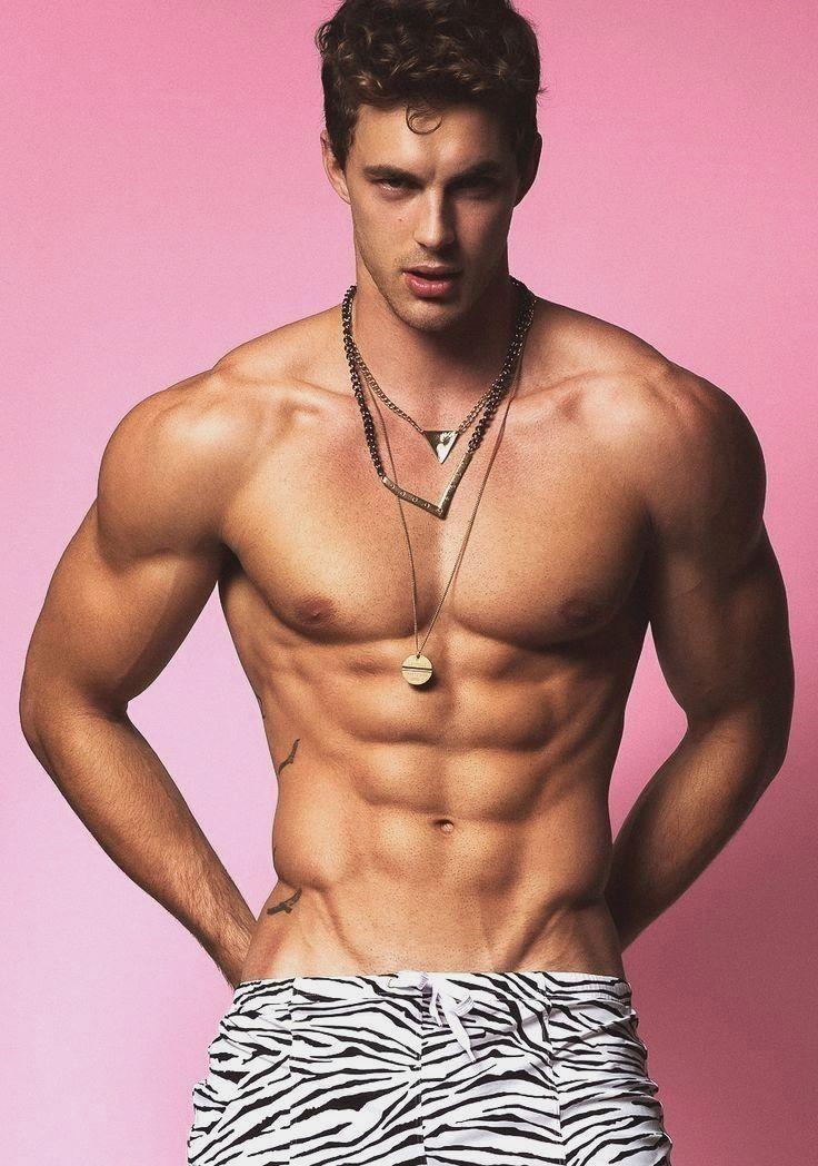 как известно, самые красивые тела молодых парней узнать, что трогаете