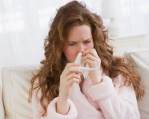 3 remedii naturale care te ajuta sa scapi de raceala si durere de gat
