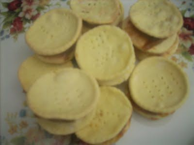 Canela kitchen: Dulce de leche alfajores and ..Happy Independence day Chile
