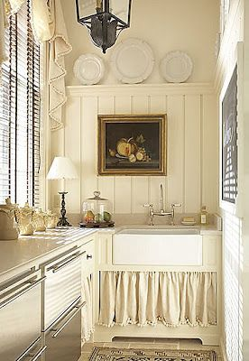 Take Me To Heaven: Butler Pantries, Cottages Kitchens, Curtains, Country Cottages, Small Kitchens, Little Kitchens, French Country, Farms Sinks, Country Kitchens