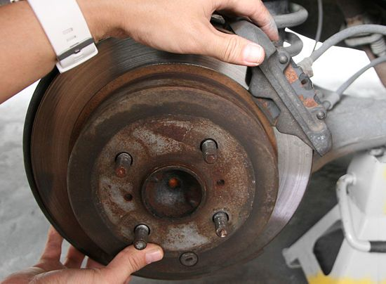 How to Change The Brake Pads in Your Car (with Pictures)