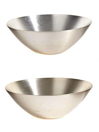 GRETE PRYTZ KITTELSEN KRISTIANIA 1917 - OSLO 2010 Boller Høyang. 1950-tallets siste halvdel. Aluminium.