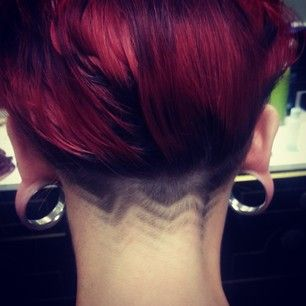 Incorporate a pattern into your hairline. | 19 Dainty And Discreet Ways To Have An Undercut