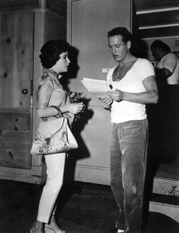 Elizabeth Taylor egy korai Gucci Bamboo táskával Paul Newman társaságában. /1958/
