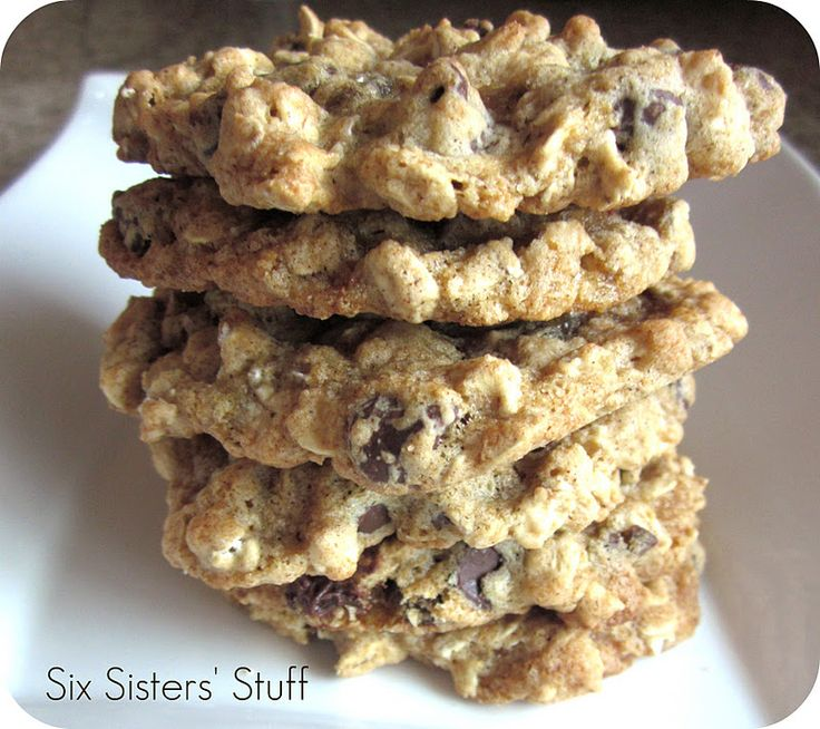Low Fat Chewy Chocolate Chip Oatmeal Cookies.  Only 2 tablespoons of butter in the whole batch! ♥♥♥♥♥