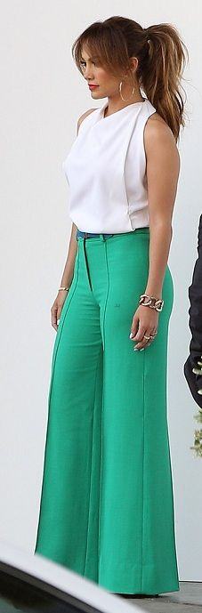 J-Lo in great wide leg trousers! - Street Style - Love!!!!