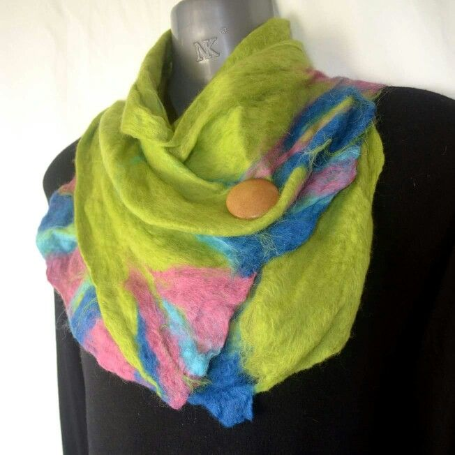 Find more of my hand felted designs at www.facebook.com/leahsdesignkingdom