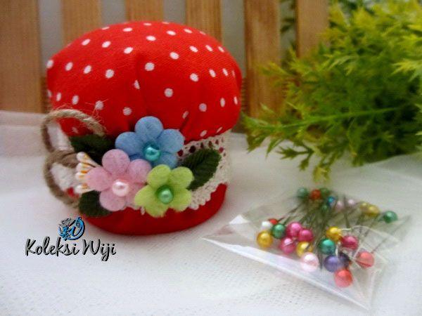 http://koleksiwiji.com/product/red-mushroom-pincushion Red Mushroom Pincushion Size : Diameter jar 6 cm Colours : Polka merah Materials : cotton fabrics, dakron and beads  bantal jarum, jarum pentul, koleksiwiji, pincushion, tuspin jar -  - #BantalJarum, #JarumPentul, #Koleksiwiji, #Pincushion, #TuspinJar -