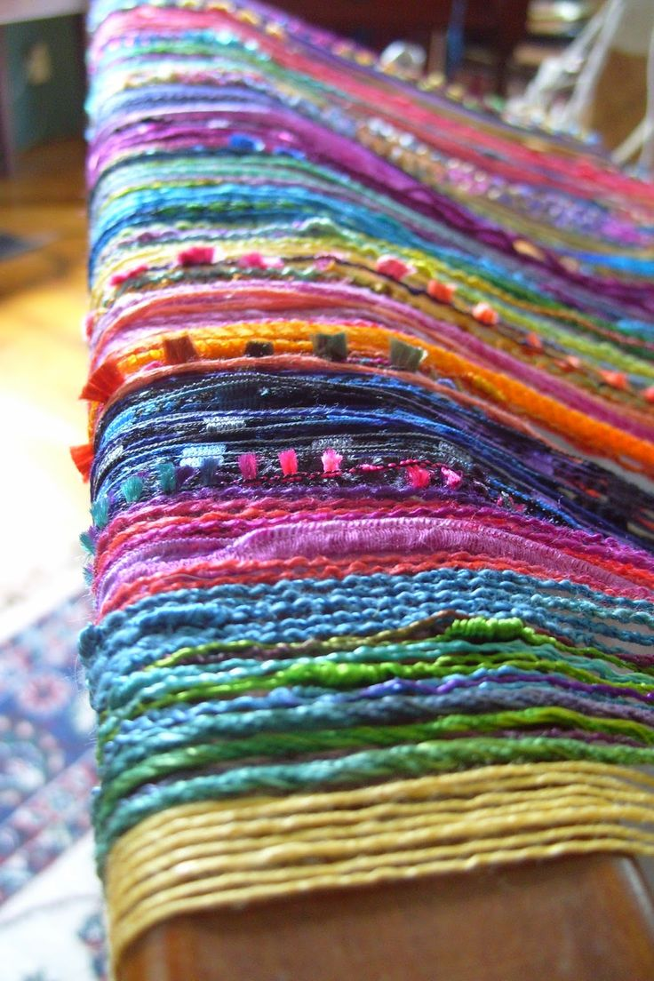 Barefootweaver: Kori's Shawl Warp