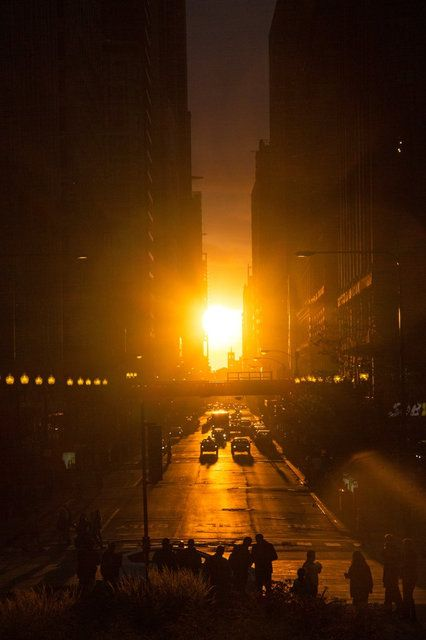 The Chicagohenge phenomenon hits twice a year, first in March, then again with the arrival of the autumnal equinox. It's been visible since Sept. 20 and will be so until around Sept. 30, estimates Geza Gyuk, an Adler Planetarium astronomer. (Photo: Jessica Mlinaric)