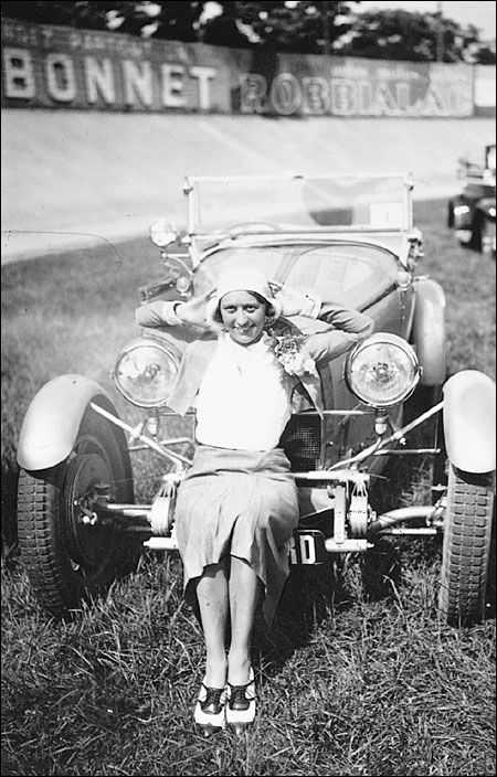 Hellé Nice after her victory in the 1929 Grand Prix Féminin which secured her a sleek Bugatti and the nickname ''The Speed Queen.''   Speed Girls: the Bugatti Queen - Dieselpunks