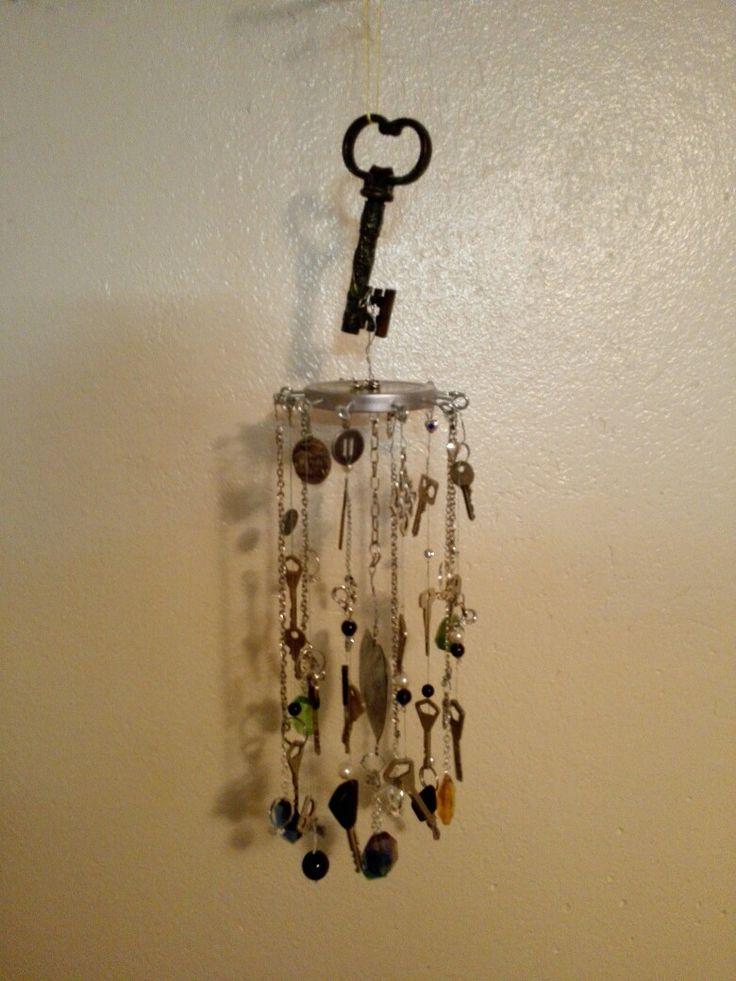 Tuulikello vanhoista avaimista