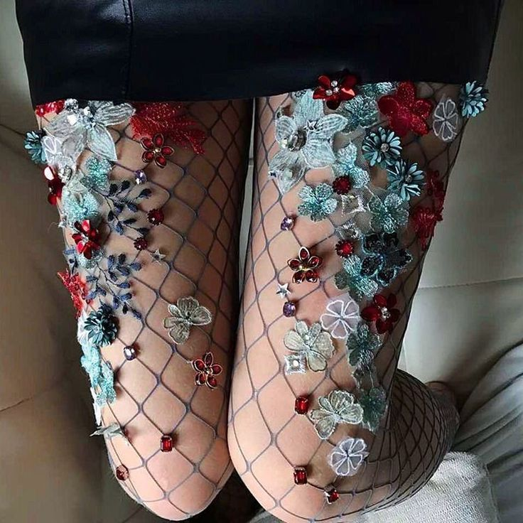 http://www.revelist.com/style-news/sparkly-tights/6858/We seriously can't get enough./16/#/16