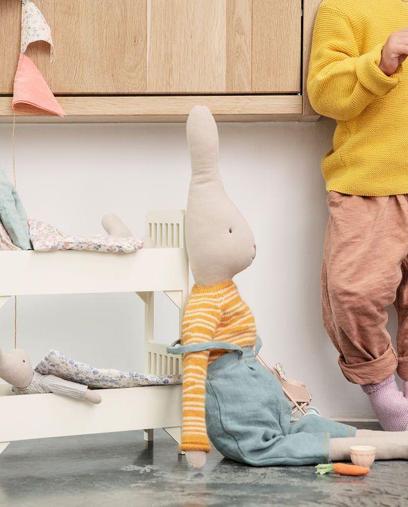 Hase Rabbit Overalls Size 5 Von Maileg Kaufen Online Kaufen Geliebtes Zuhause De Maileg Hasen Stofftiere Hase