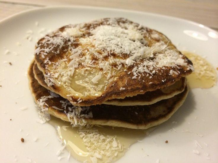 Makkelijk recept voor heerlijke american pancakes met banaan en kokos. Ideaal voor wie lekker wil lunchen, ontbijten of brunchen in het weekend en weinig tijd of zin heeft om lang in de keuken te staan. Boordevol vezels en lekker gezond. Wat heb je nodig? (voor 2 personen) 70 gr havermout 20 gr glutenvrije bloem 10 …