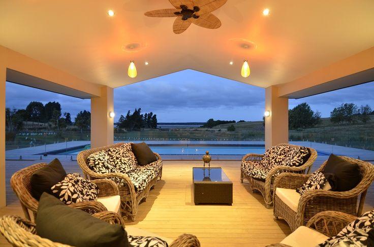 Wonderful outdoor living setting!