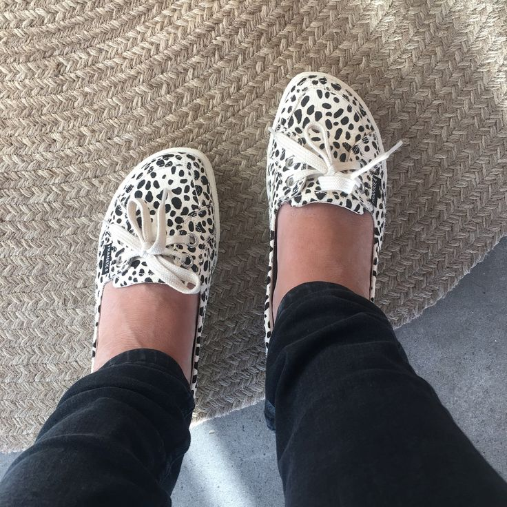 Flat Out Friday! Loving my @frankie4footwear Sophie flats  These shoes are AMAZING as they're…