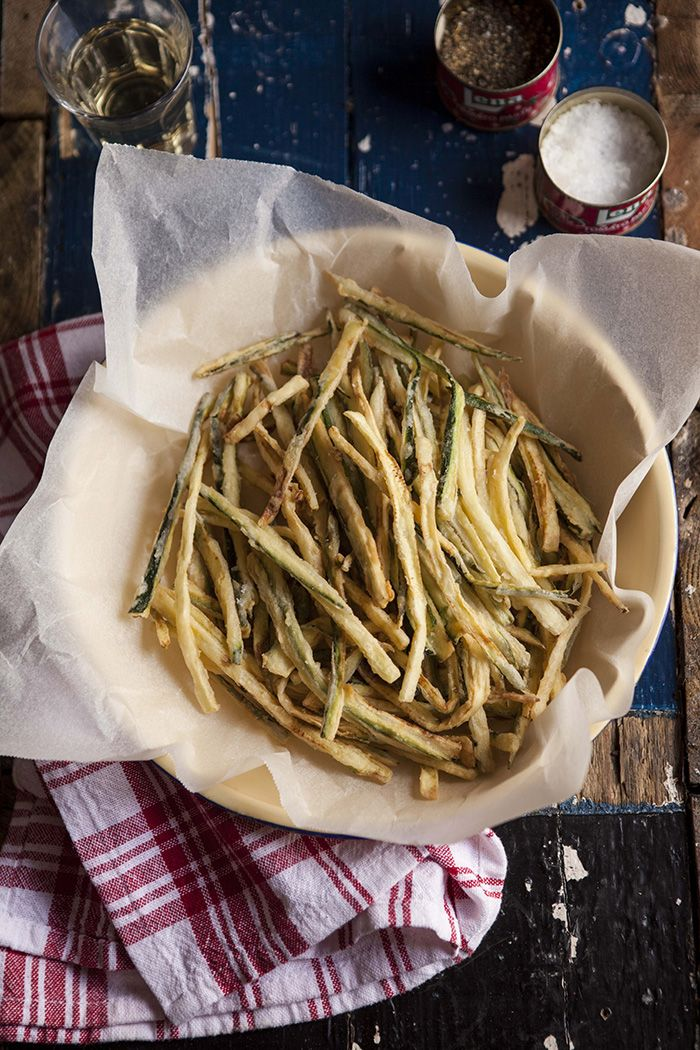zucchini shoestring fries: Zucchini Fried, Drizzleanddip Com, Ribbons Fried, Shoestr Fried, Shoes String, Fried Zucchini, Fried Recipe, Finger Food, Zucchini Shoestr