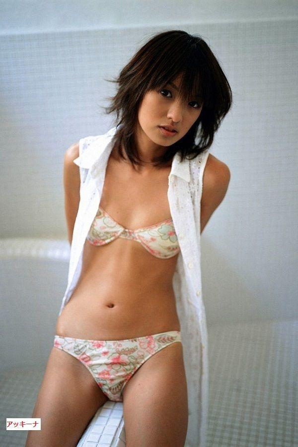 $やさしいアメブロカスタマイズ!と女性タレント画像-南明奈0905