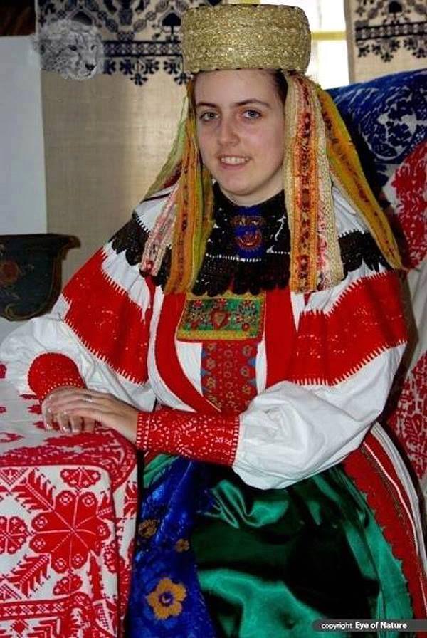 Magyar népviseletek - Torockói viselet - Erdély