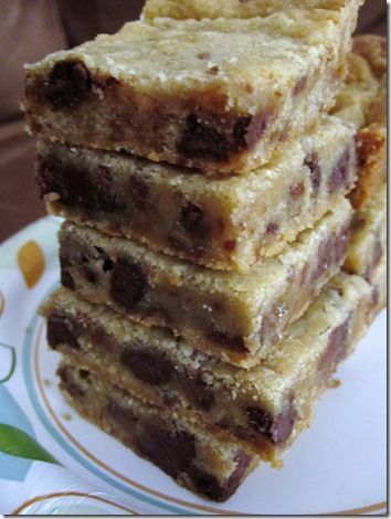 heath bar crunch cookie bars:2-1/4 cups all-purpose flour  1/2 teaspoon baking soda  1 cup (2 sticks) unsalted butter, room temperature  1/2 cup granulated sugar  1 cup packed light-brown sugar  1 teaspoon salt  2 teaspoons pure vanilla extract  2 large eggs  1-1/2 cups Toffee Heath Bar Bits  1/2 cup semi-sweet chocolate chips