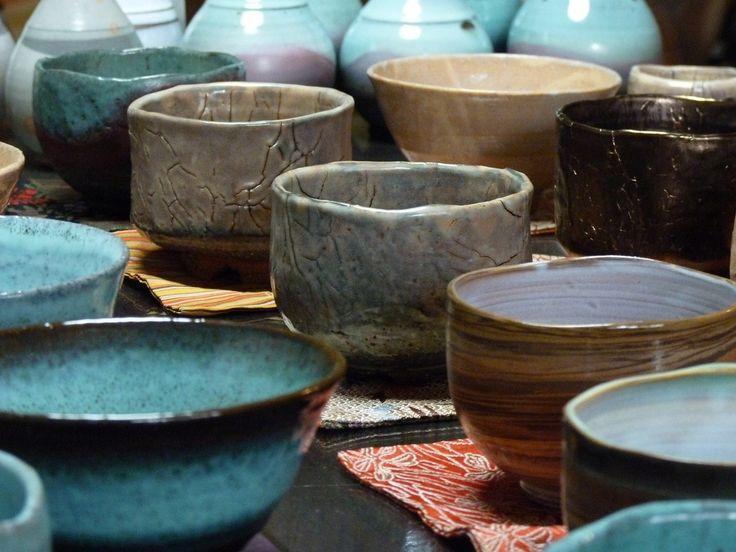 «Керамика Раку: Вселенная в чайной чаше. Произведения из японских собраний», выставка в Тольятти — расписание, фотографии. <p>Искусство керамики Раку зародилось благодаря гончару Тёдзиро, жившему в Японии в конце XVI века. Благодаря своим произведениям он…
