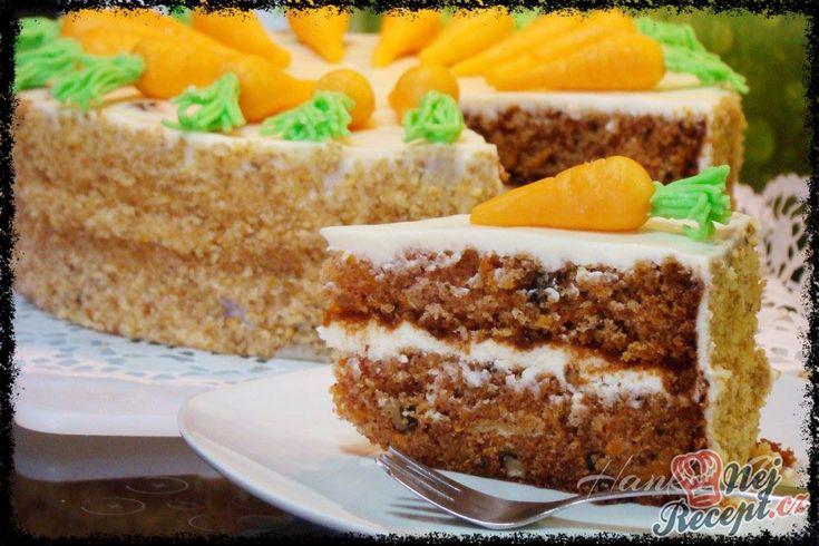 Mrkvový dort s domácím marcipánem