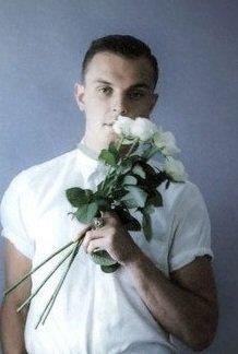Theo Hutchcraft : english rose..