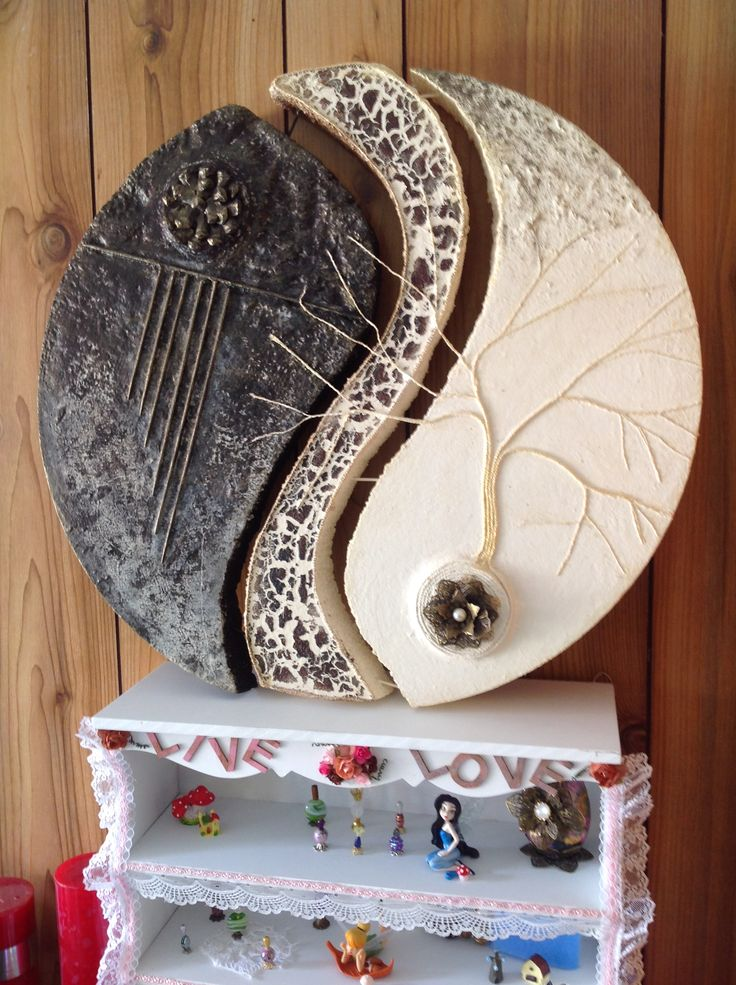 Powertex Disc with Bister, Stone Art, Pine Cones, Metal Embellshments